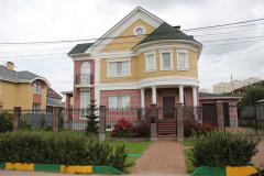 Жилой дом в Нижнем Новгороде. Поставленная продукция - цветной и белый силикатный кирпич.